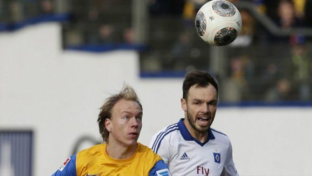 Com hat-trick de Kumbela, Braunschweig vence e afunda mais o Hamburgo na Bundesliga