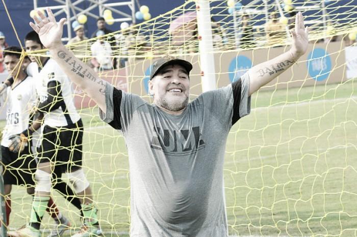 'Teria mais bolas de ouro que Messi e Cristiano', diz Maradona