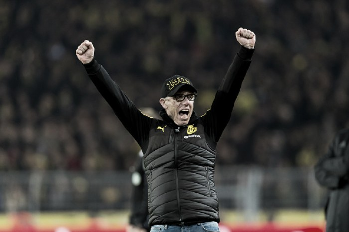"""Peter Stöger destaca empenho da Dortmund após nova vitória: """"Exatamente isso que exigimos"""""""