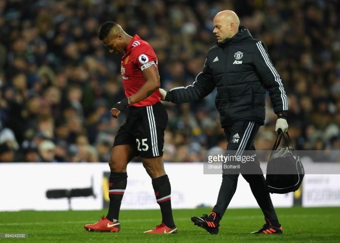 "Antonio Valencia suffers hamstring injury, Jose Mourinho labels it a ""December injury"""