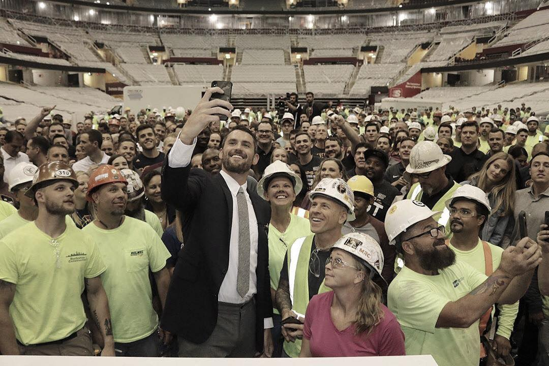 Love donates $100,000 to Cleveland arena workers