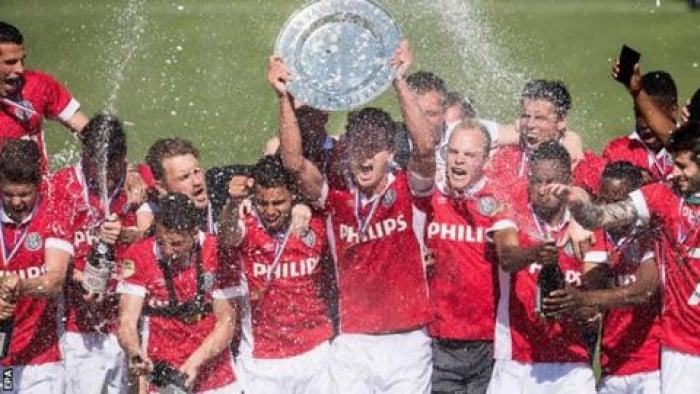Clamoroso in Eredivisie: l'Ajax pareggia ed il PSV è campione!