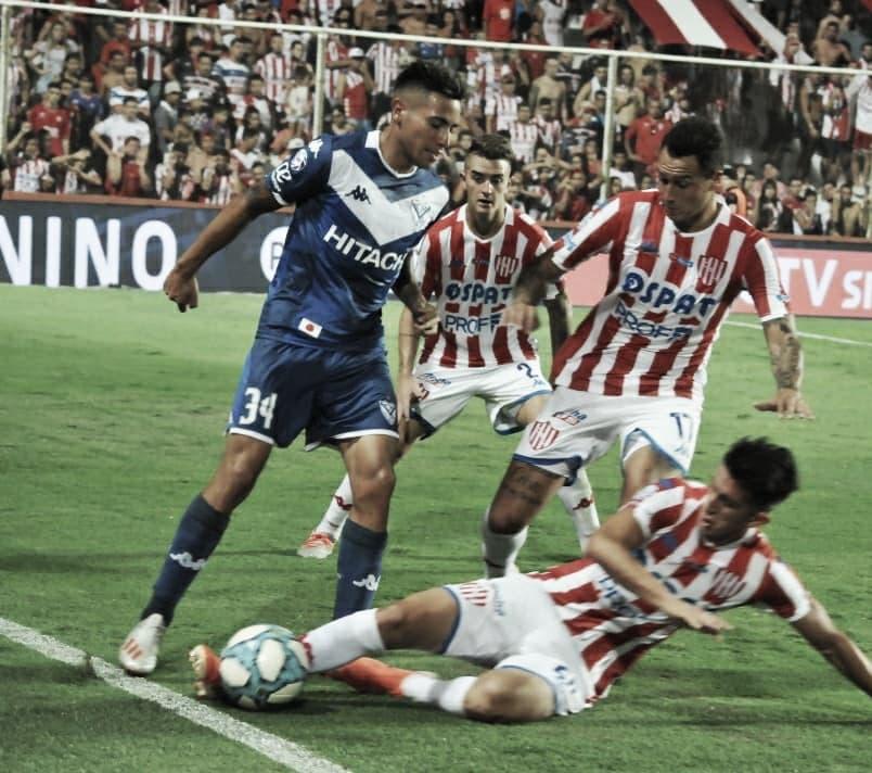 Bonifacio recupera el balón. Foto: Club Atlético Unión.