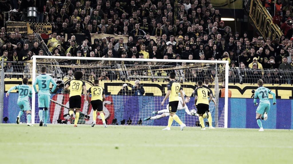 Marc-André ter Stegen salva al Fútbol Club Barcelona de una debacle inicial