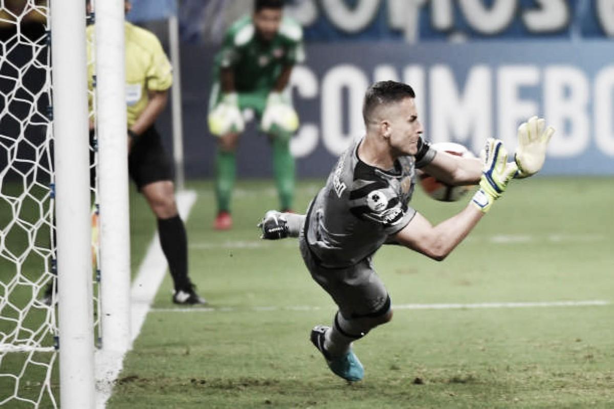 Grêmio e Independiente empatam sem gols, Grohe é herói nos pênaltis e consagra título do Imortal
