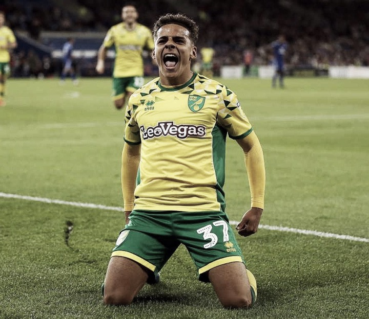 Tottenham Hotspur abre negociações com Norwich por Max Aarons