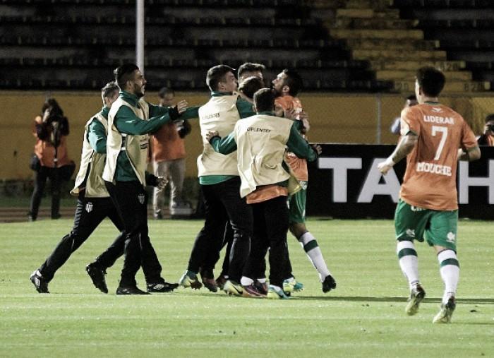 Banfield arranca empate nos acréscimos contra Del Valle e se classifica na Libertadores