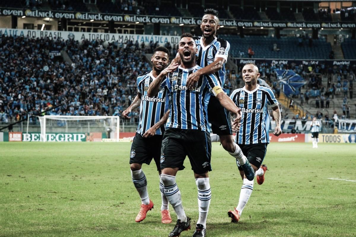 Grêmio tem nova atuação de gala na temporada e atropela Santos na Arena