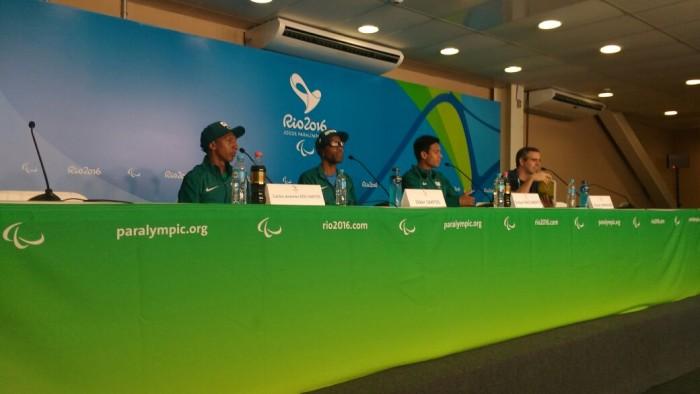 Primeiro medalhista do Brasil na Paralimpíada, Odair Santos deseja inspirar crianças com deficiência
