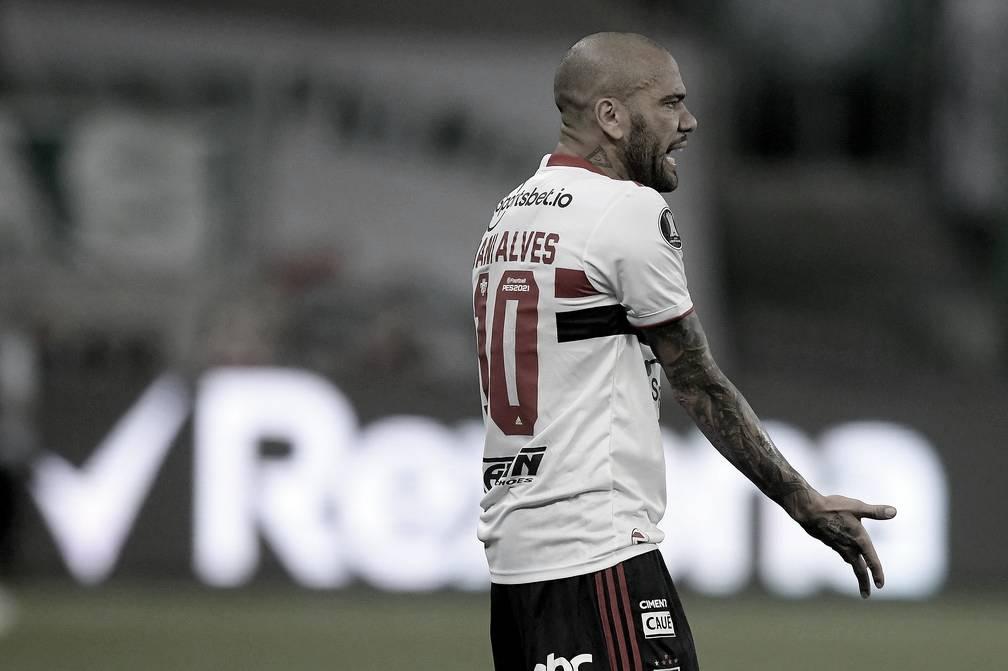 Por dívidas, Daniel Alves não jogará mais pelo São Paulo