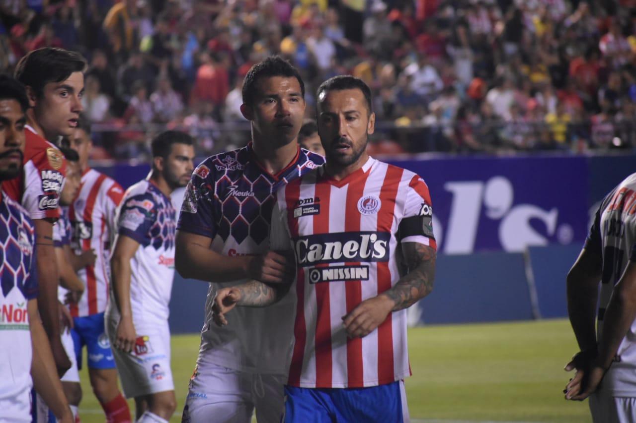 Mario Abrante no podrá ver acción ante Rayados