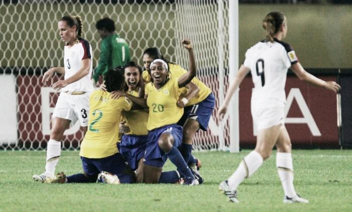O futebol feminino e eu: paixão e comprometimento ao longo de dez anos