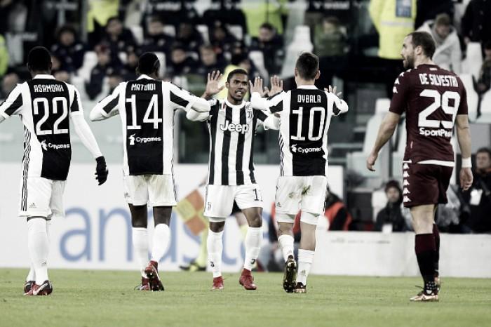 Douglas Costa marca golaço, Juventus bate Torino e avança à semi da Copa Itália