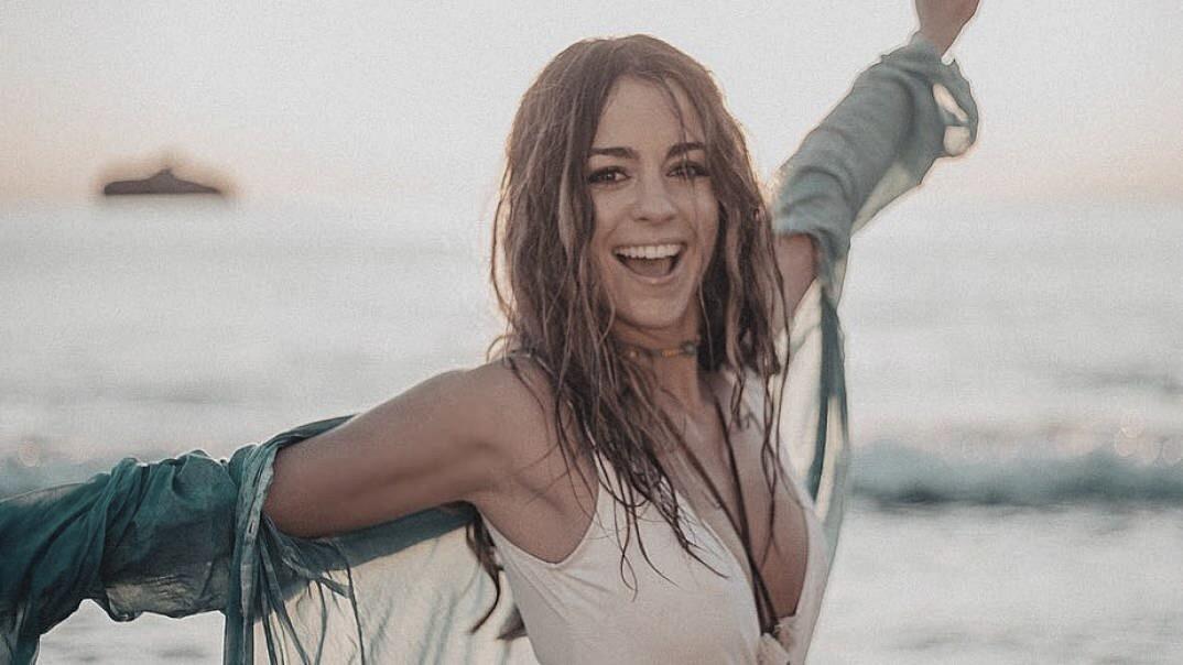 La trayectoria de Sofía Ellar: De compartir sus canciones en las redes sociales a llenar salas en toda España