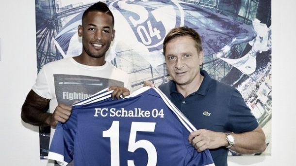 Schalke 04 acerta compra de Aogo em definitivo até 2017