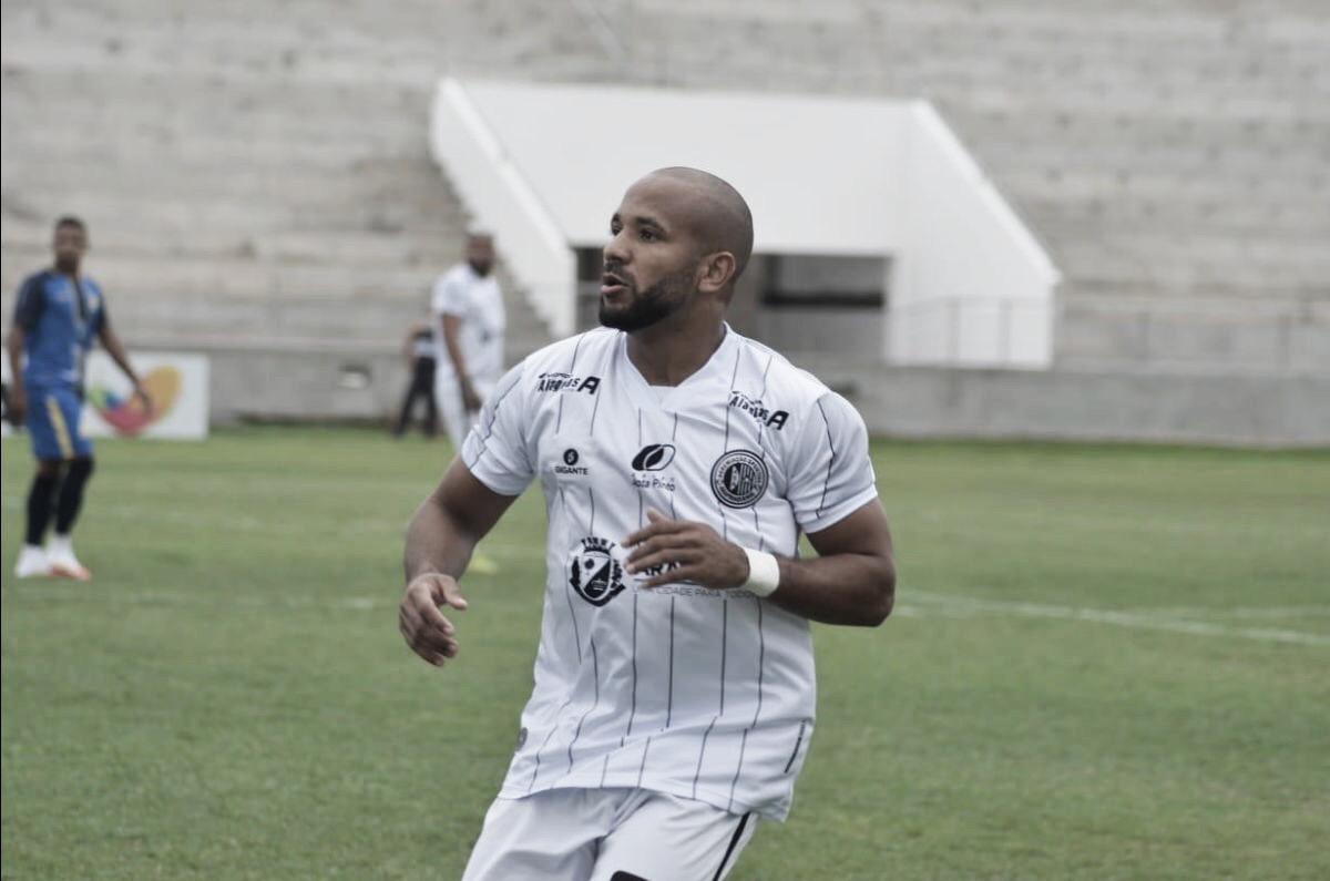 """Campeão da Copa Alagoas, lateral Ítalo projeta sucesso no ASA: """"Primeiro de muitos"""""""