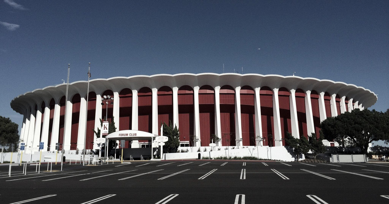 Clippers owner buys The Forum for $400M in cash