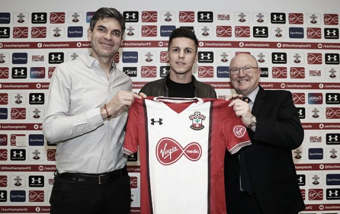 Com problemas no setor ofensivo, Southampton anuncia a contratação de Guido Carrillo