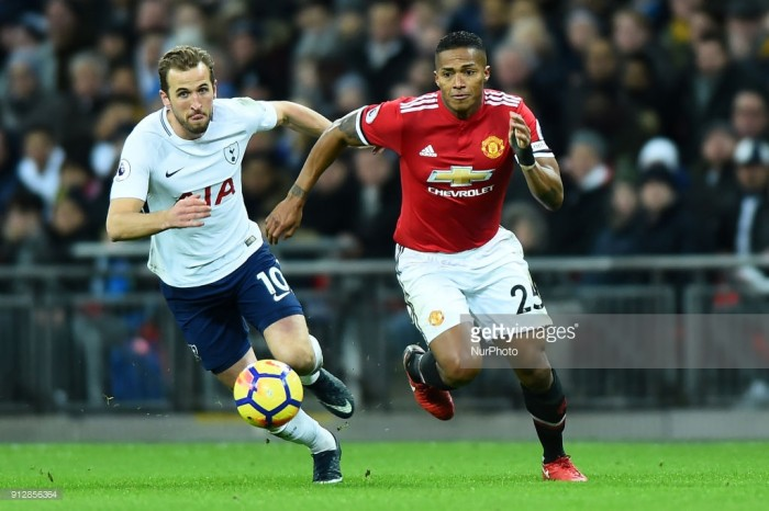 Justin Kluivert Brushes Off Manchester United Link