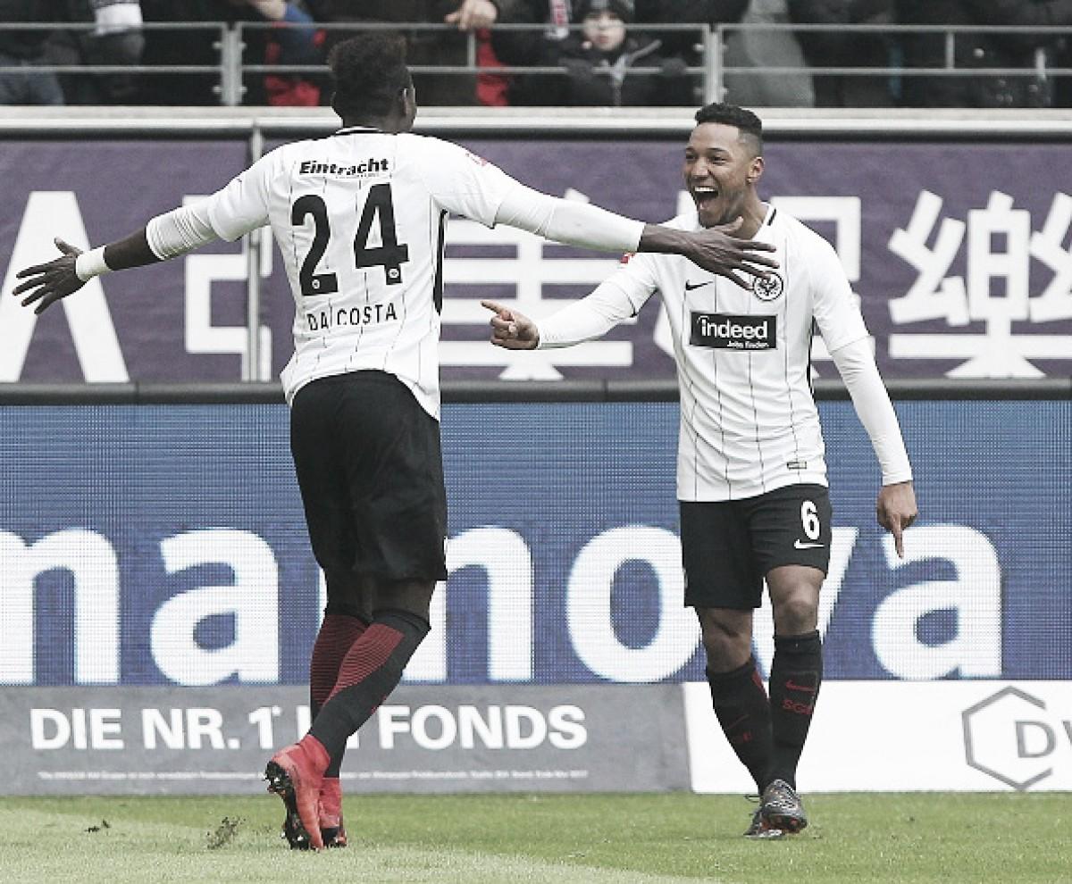 Eintracht Frankfurt derrota Hannover e se mantém no G-4 da Bundesliga