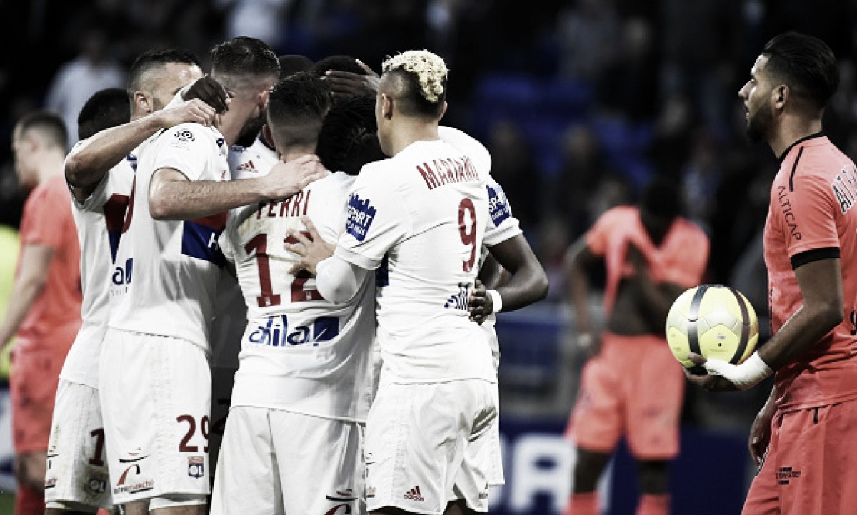Lyon vence Caen e retoma caminho das vitórias na Ligue 1