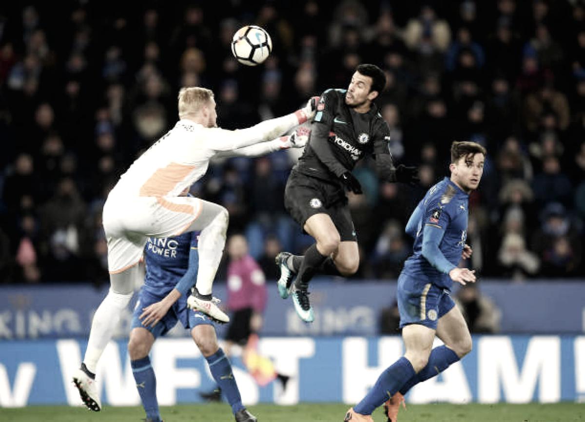 Schmeichel falha na prorrogação, Chelsea vence Leicester e avança na Copa da Inglaterra