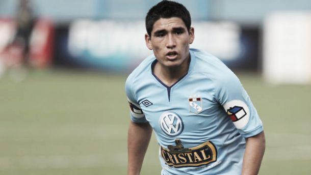 Ajax, PSV, Twente e Groningen na briga pelo atacante peruano Irven Ávila