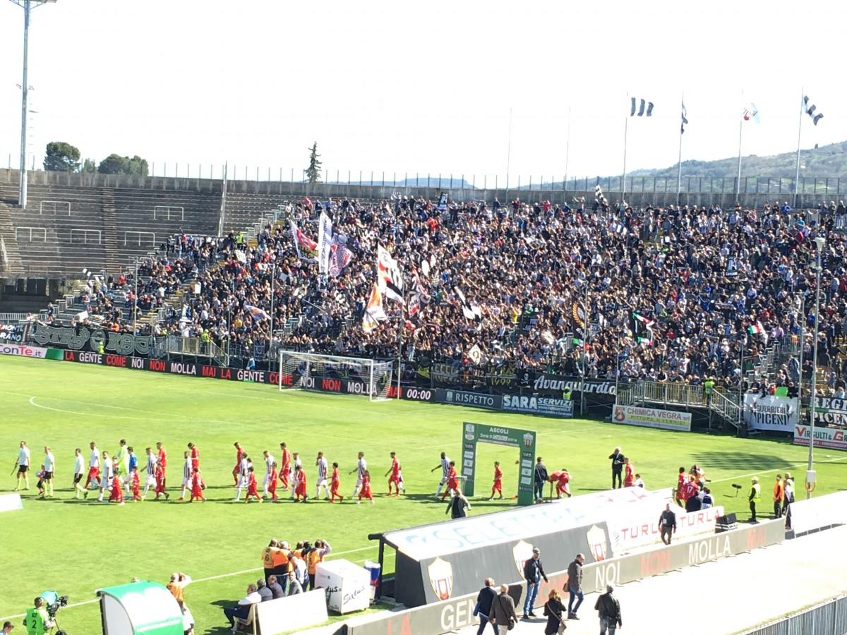 Serie B - L'Ascoli non si ferma più: 2-0 al Carpi
