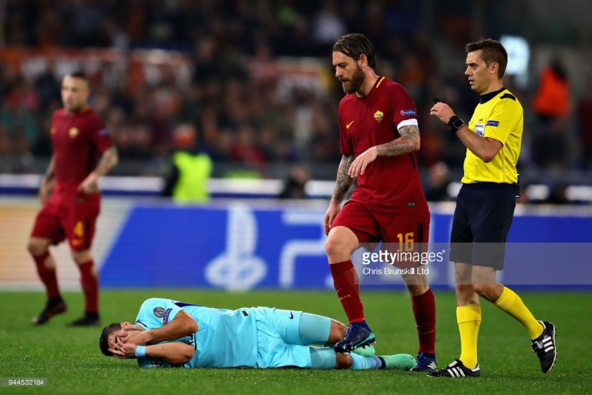 Barcelona cai com estrondo em Roma, e ninguém escapa às críticas