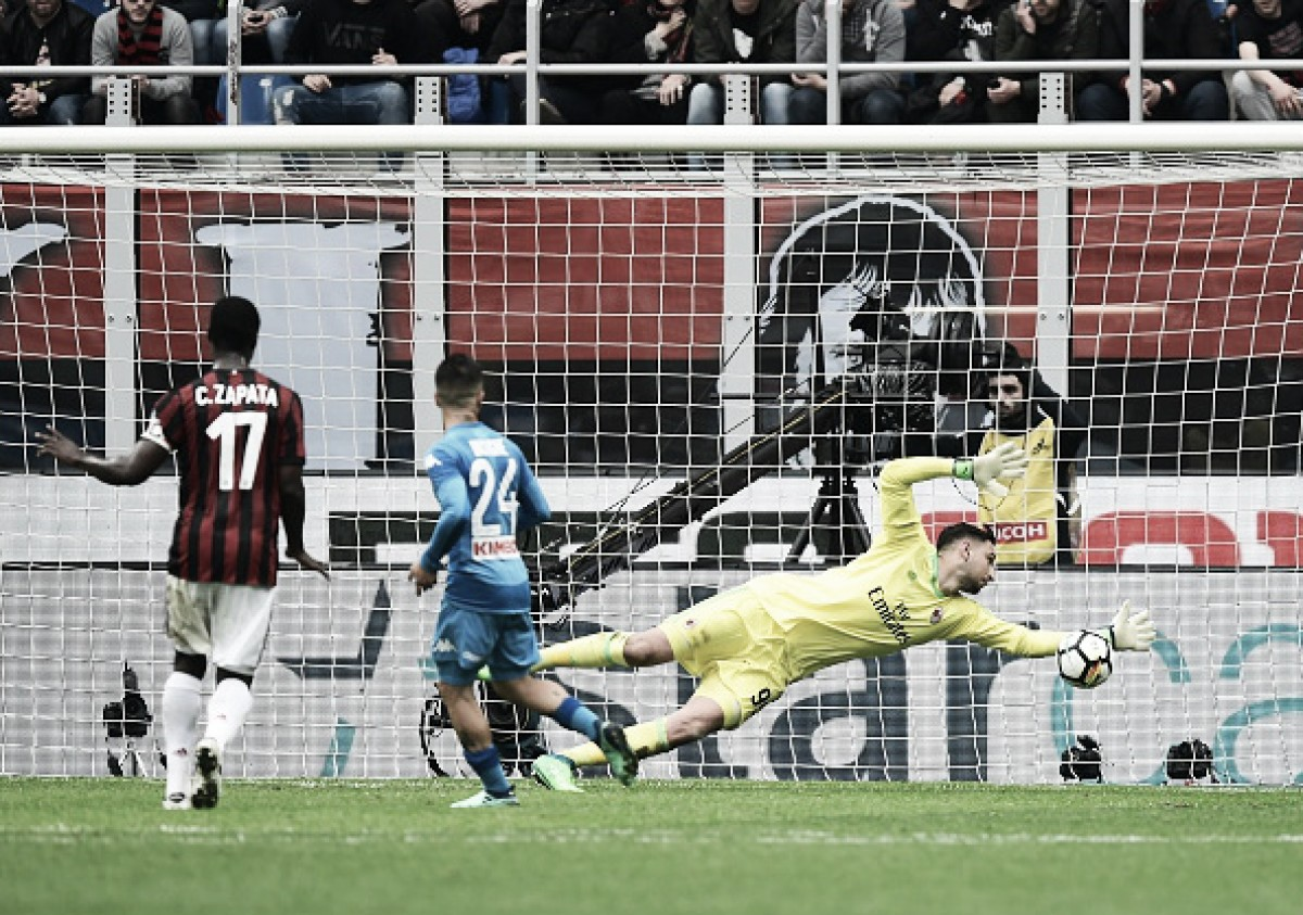 Donnarumma salva no fim, Milan e Napoli empatam e veem objetivos ficarem distantes