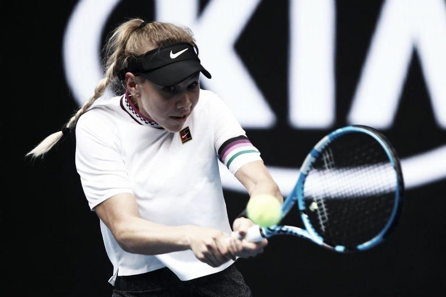 Aos 17 anos, Anisimova surpreende, domina Sabalenka e avança às oitavas de final