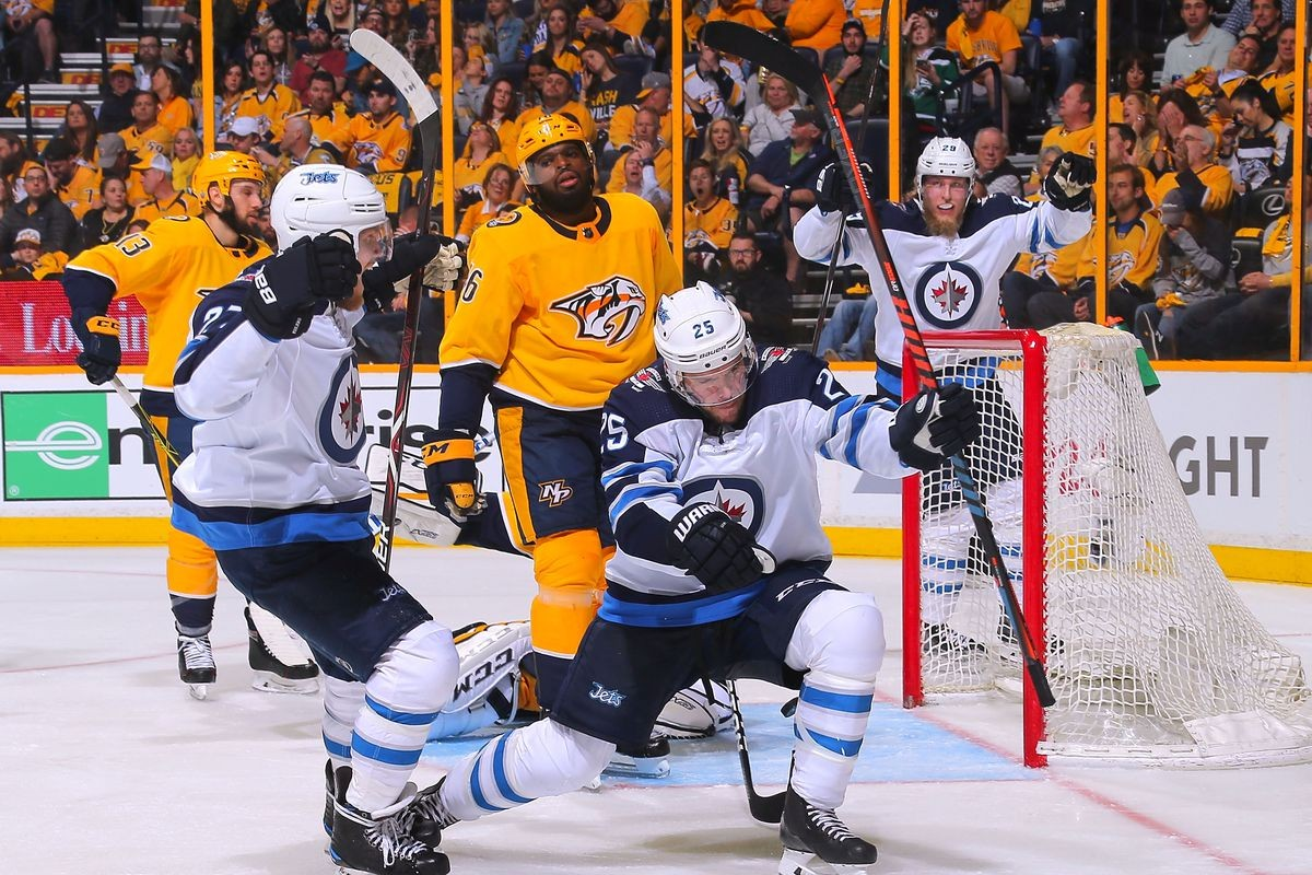 Stanley Cup second round kicks off in Smashville
