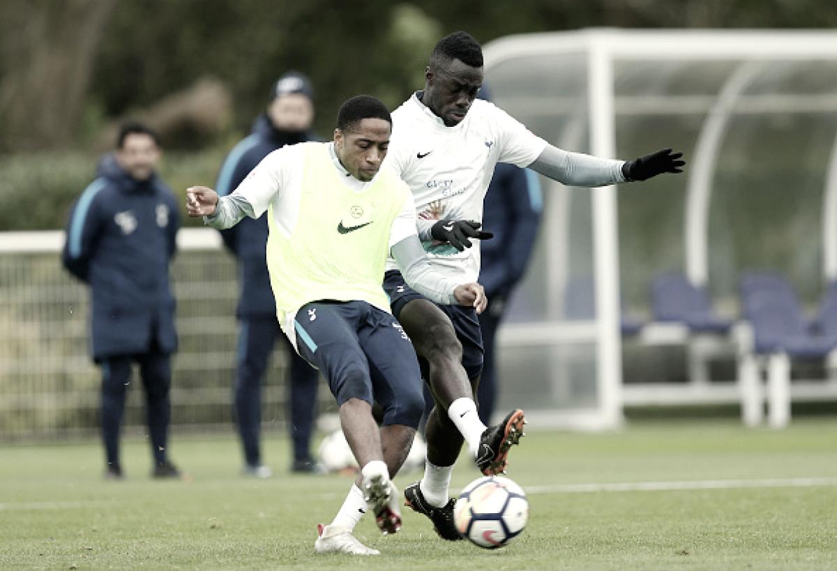 Sánchez y Walker - Peters renuevan con el Tottenham