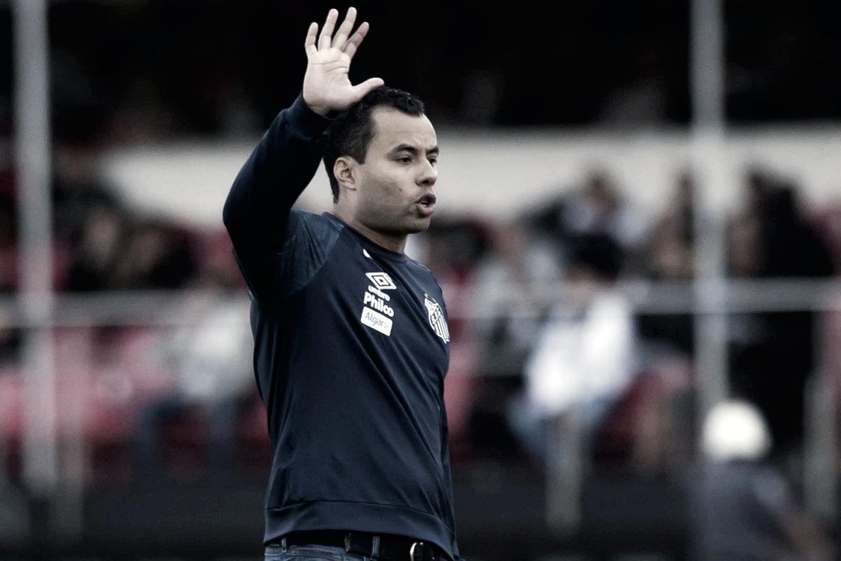 Após derrota contra São Paulo, Jair Ventura admite temer seu futuro no Santos