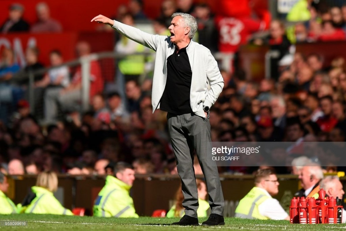 Mourinho effusive in Carrick praise after midfielder's final Man United appearance