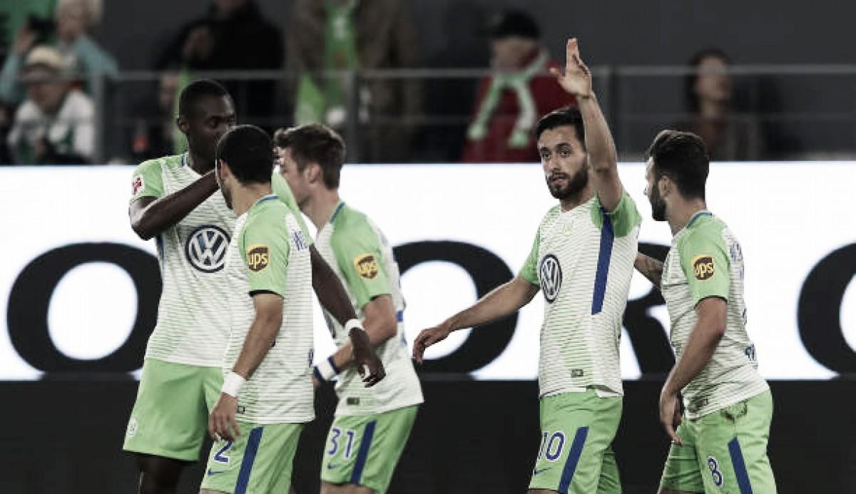 Wolfsburg supera Holstein Kiel e abre boa vantagem para assegurar permanência na Bundesliga