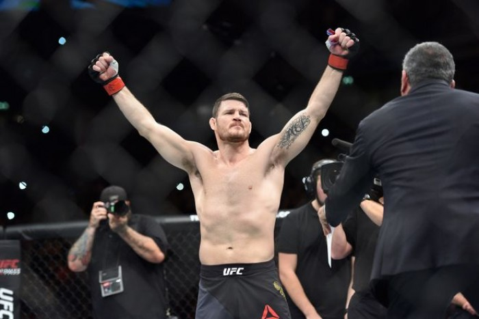 UFC 204: Michael Bisping defeats Dan Henderson by unanimous decision to retain middleweight belt