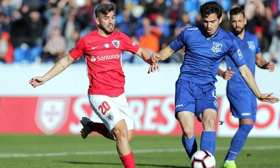 Santa Clara recebe Benfica