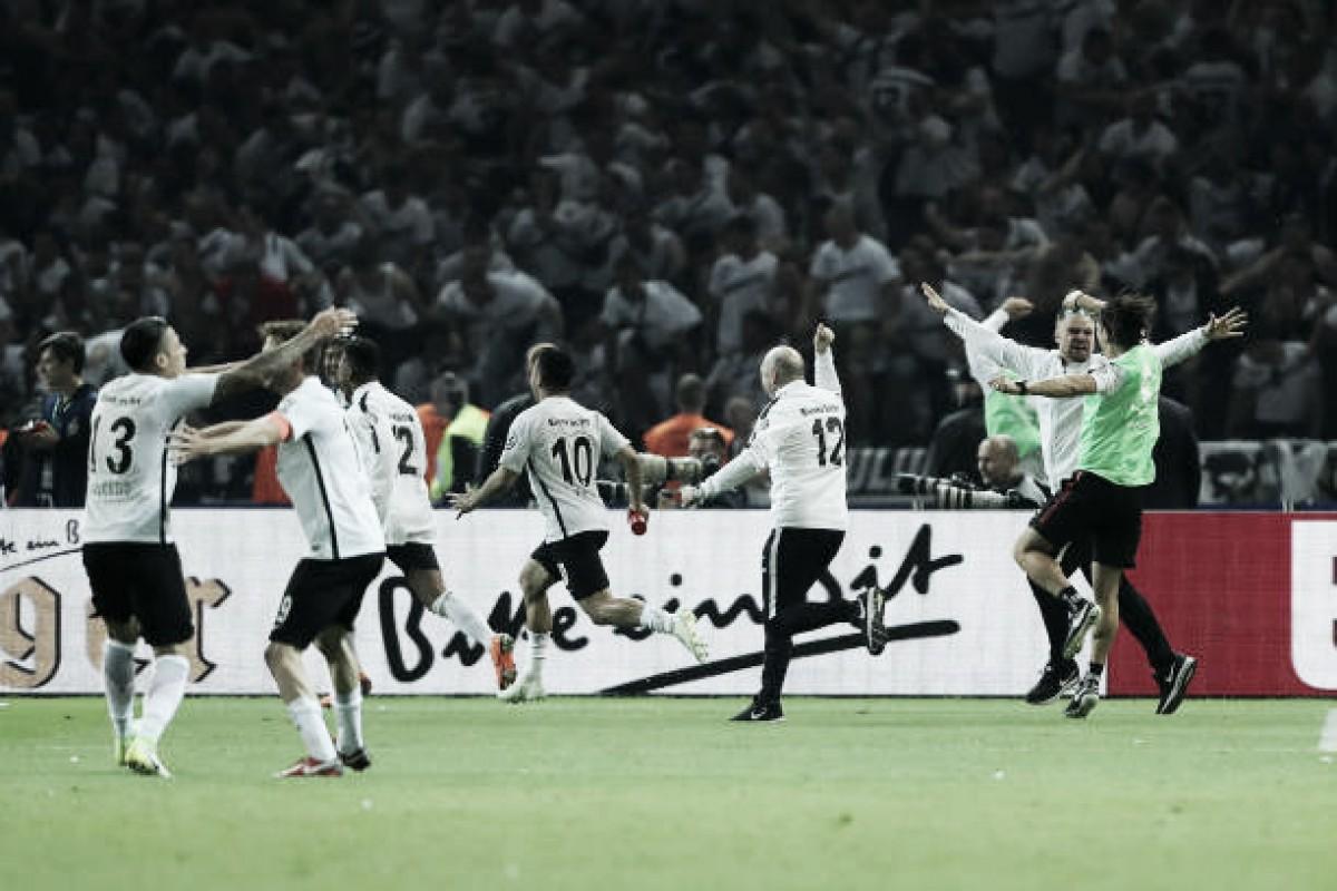 Eintracht Frankfurt quebra tabu, supera Bayern e conquista Copa da Alemanha após 30 anos