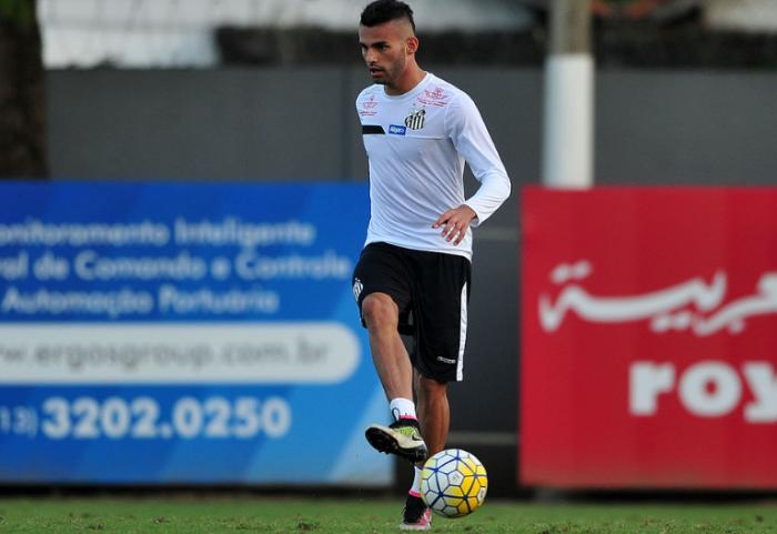 Perto das primeiras posições, Thiago Maia analisa partida contra o Sport: 'É obrigação vencer'