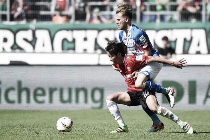 Hannover derrota Hoffenheim em seu último jogo em casa na Bundesliga