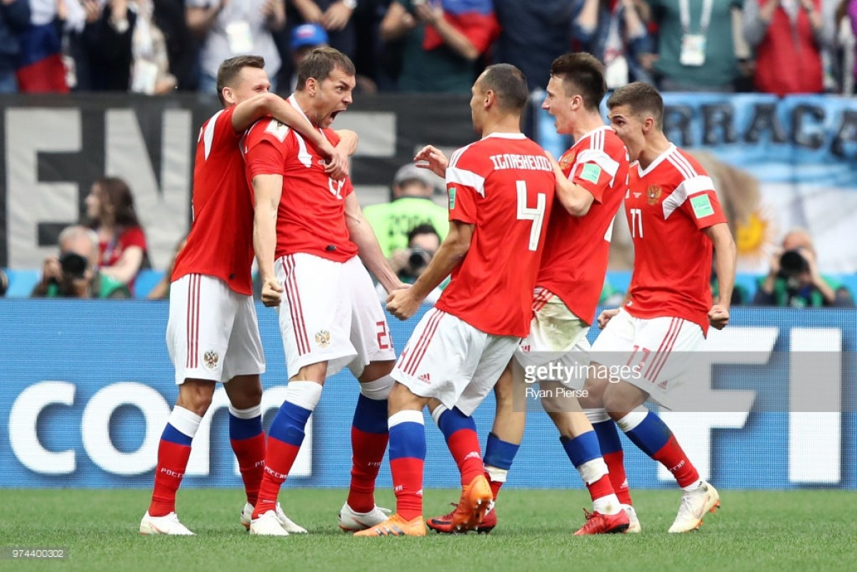 Russia 5-0 Saudi Arabia: Five-star hosts cruise to opening day victory