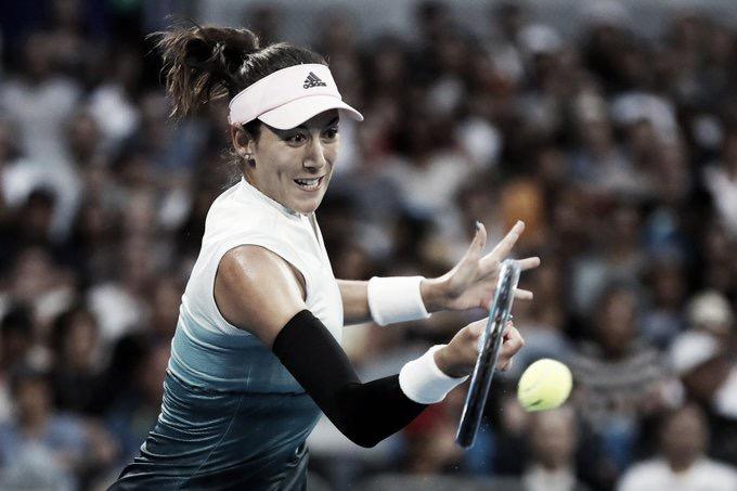 Muguruza supera começo turbulento e bate Bacsinszky rumo às oitavas do Australian Open