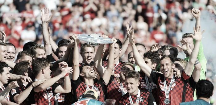 Freiburg marca no fim, vence Heidenheim e conquista a 2. Bundesliga