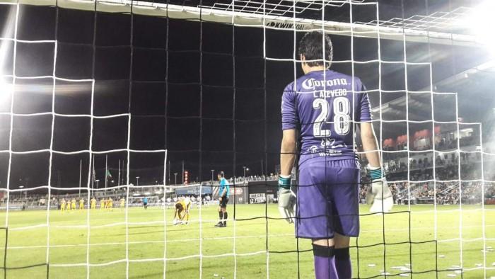 Santos vence a Tigres en penales en amistoso