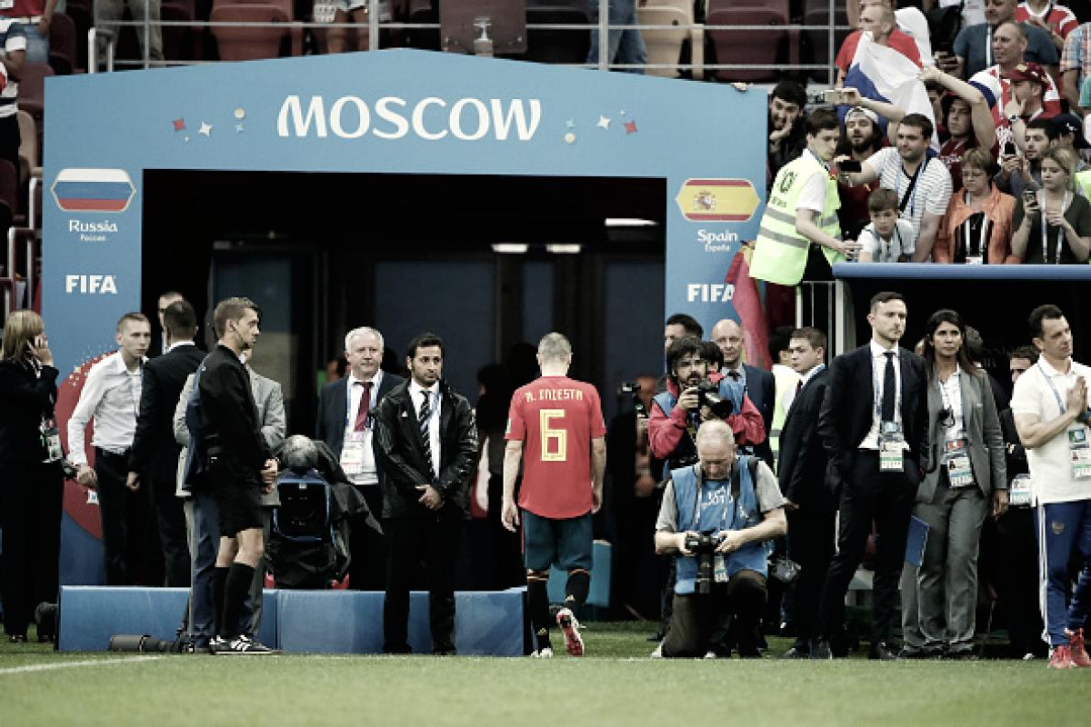 Iniesta anuncia aposentadoria da Seleção Espanhola após eliminação da Copa