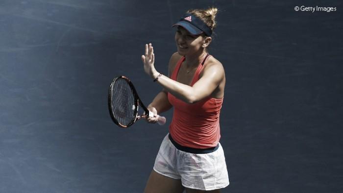Simona Halep corre riscos, mas supera Timea Babos e segue no US Open