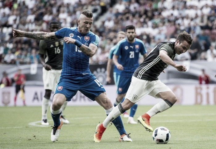 Ter Stegen falha e Alemanha perde de virada para Eslováquia