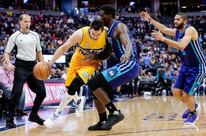 NBA - Inutili i ventidue punti del Gallo, va a Belinelli il derby italiano. Harden domina e porta i Rockets alla vittoria