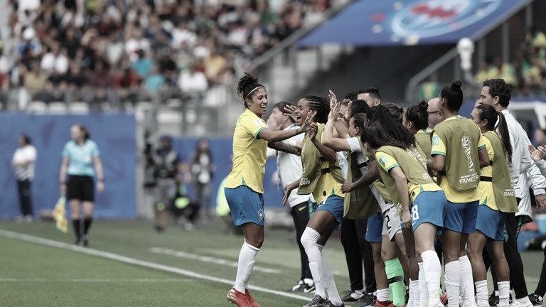 Com show de Cristiane, Brasil estreia com vitória contra Jamaica na Copa do Mundo Feminina